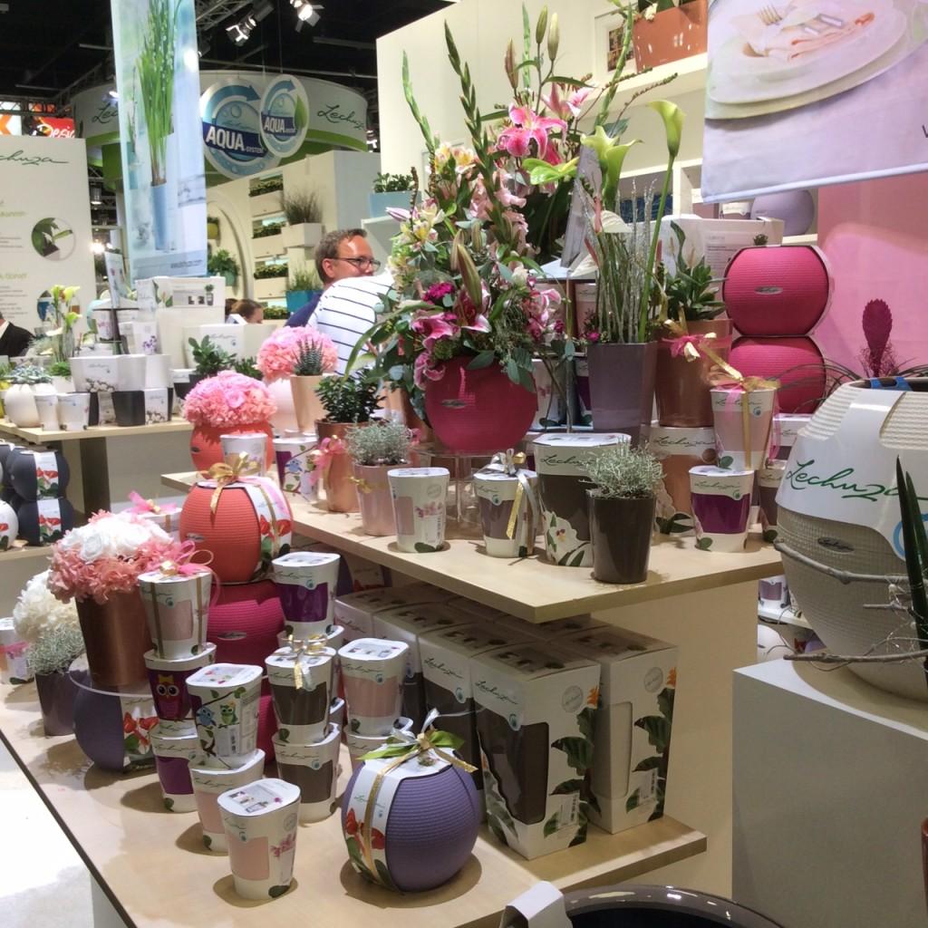 Fioriere di design vasi per interni vasi e fioriere con a for Design per giardini